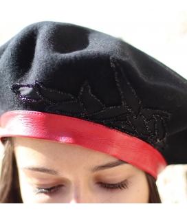 Béret LOUISE brodé noir et cuir rouge